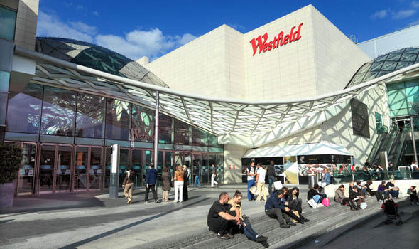 JCDecaux wins contract for the two largest UK shopping malls