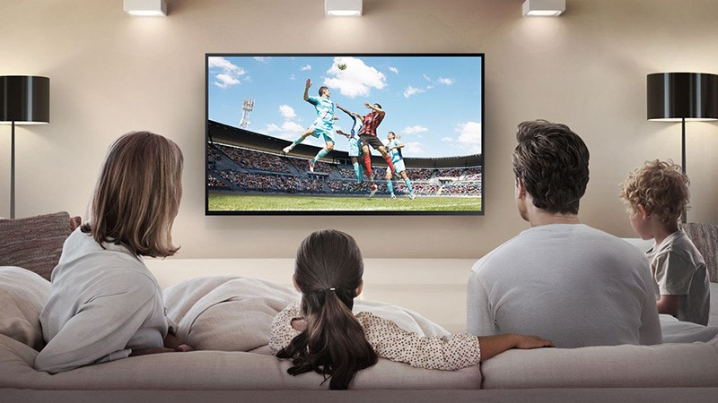 Family watch TV or VOD
